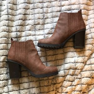Sam & Libby brown heeled boots